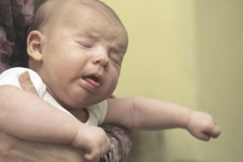 У ребенка хриплый голос кашля нет как лечить