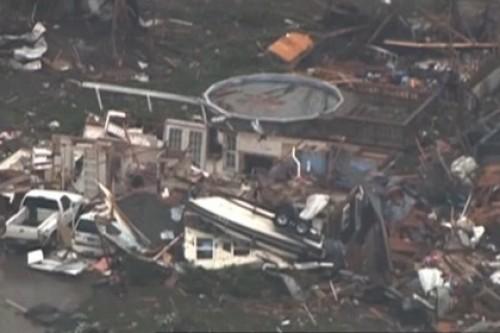http://dosug.md/UserFiles/dosugmd_news/max/Tornado-obrushilsya-na-prigorod-Oklahoma.jpg