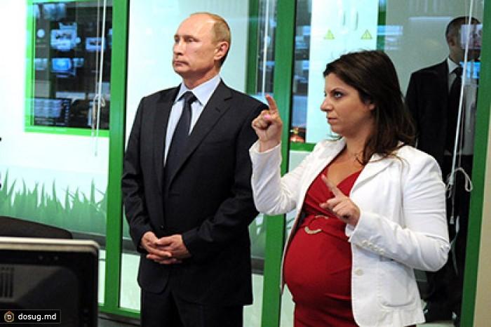 Захарова призвала не показывать сенаторам США фото Путина с беременной Симоньян