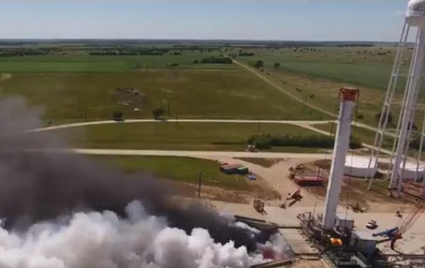 "SpaceX испытала ""ядро"" мощнейшей ракеты Falcon Heavy"