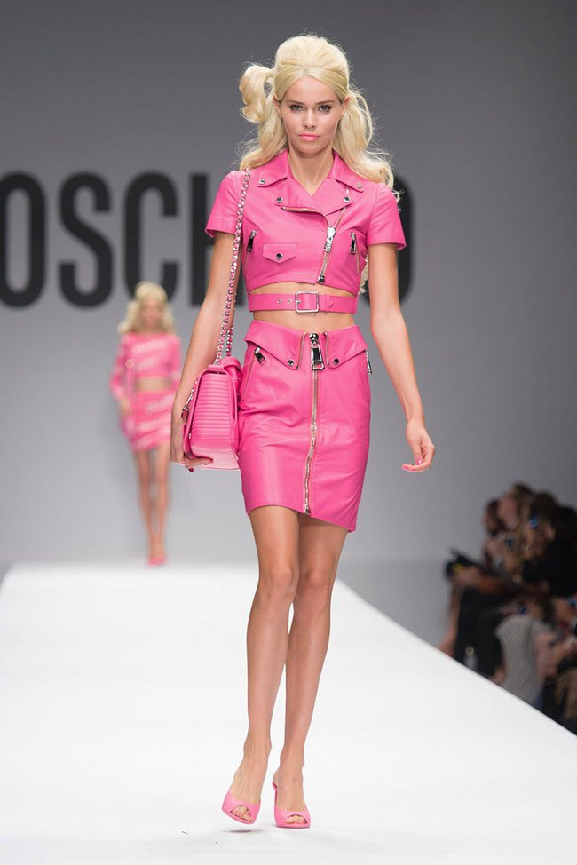 Milan Fashion Week: Moschino весна-лето 2015